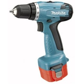 MAKITA 6271DWPE DRILL 12V WITH 2 BATTERIES