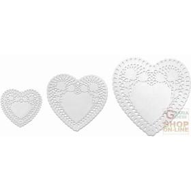 FACKELMANN 3 SOTTOTORTA PAPER IN THE SHAPE OF A HEART. 95X105